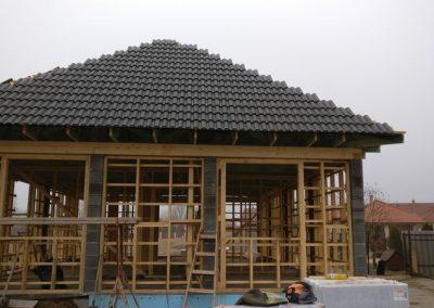 kenderház faváz tetővel